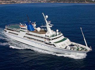 Basra-breeze-saddam-husseins-yacht-for-sale-1